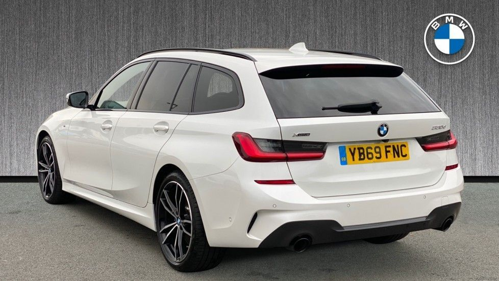 Image 2 - BMW 330d xDrive M Sport Touring (YB69FNC)