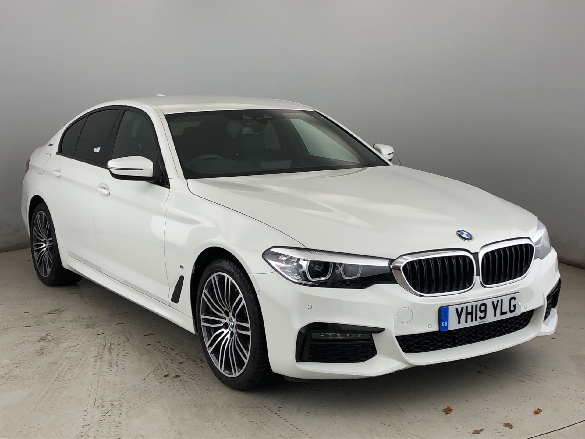 Image 1 - BMW 530e M Sport iPerformance Saloon (YH19YLG)