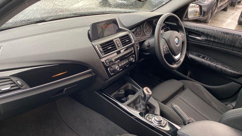 Image 6 - BMW 118d Sport 5-Door (NL67GSV)