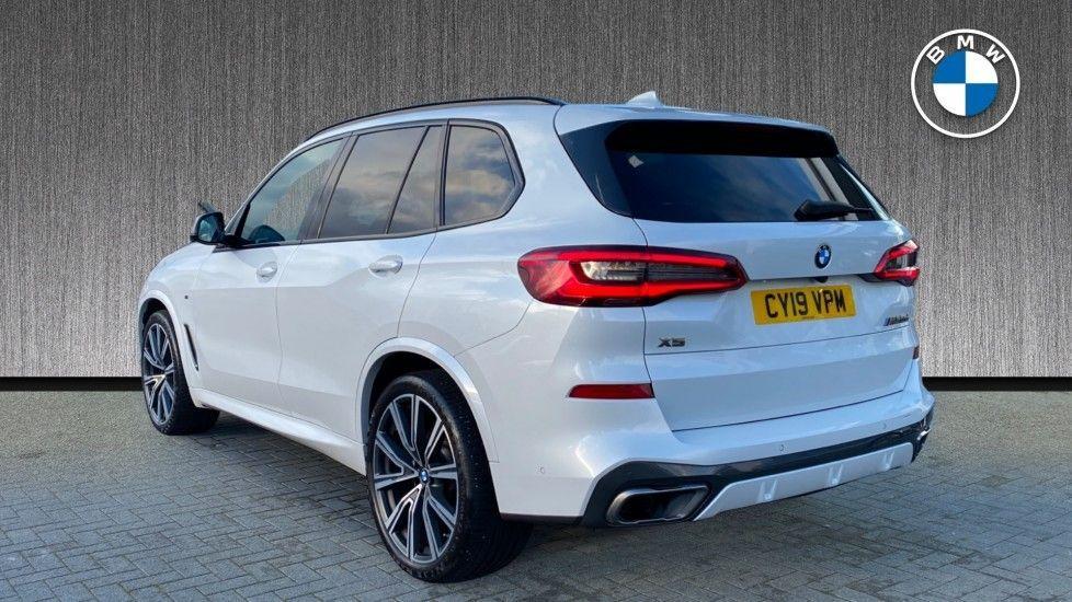 Image 2 - BMW M50d (CY19VPM)