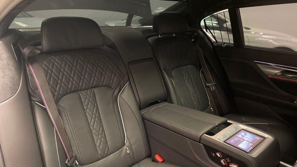 Image 12 - BMW 745Le xDrive M Sport Saloon (YG20OWX)