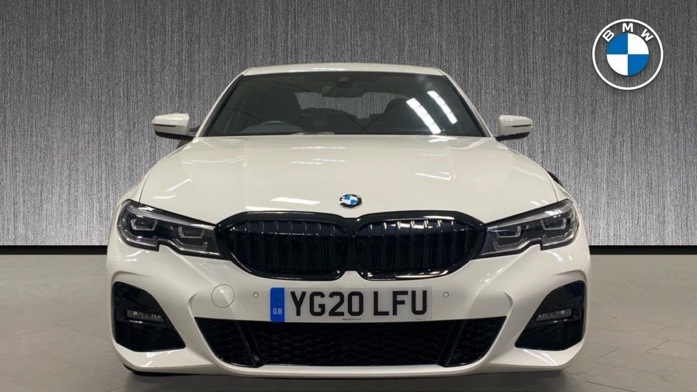 Image 16 - BMW 320i M Sport Saloon (YG20LFU)