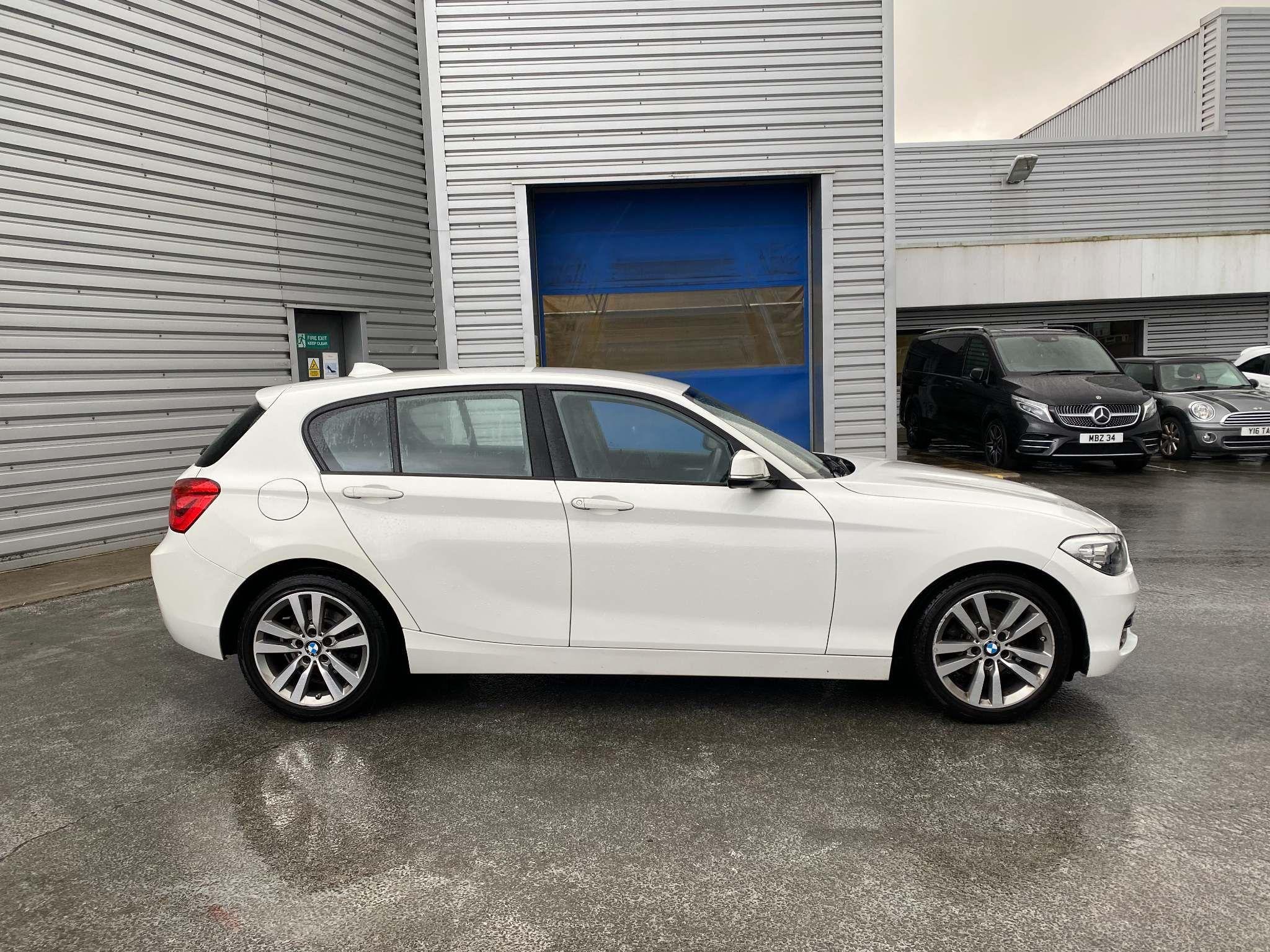 Image 3 - BMW 118i Sport 5-Door (MC66VGP)