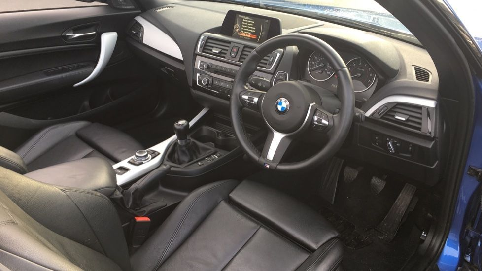 Image 16 - BMW 220i M Sport Convertible (LV65RKY)