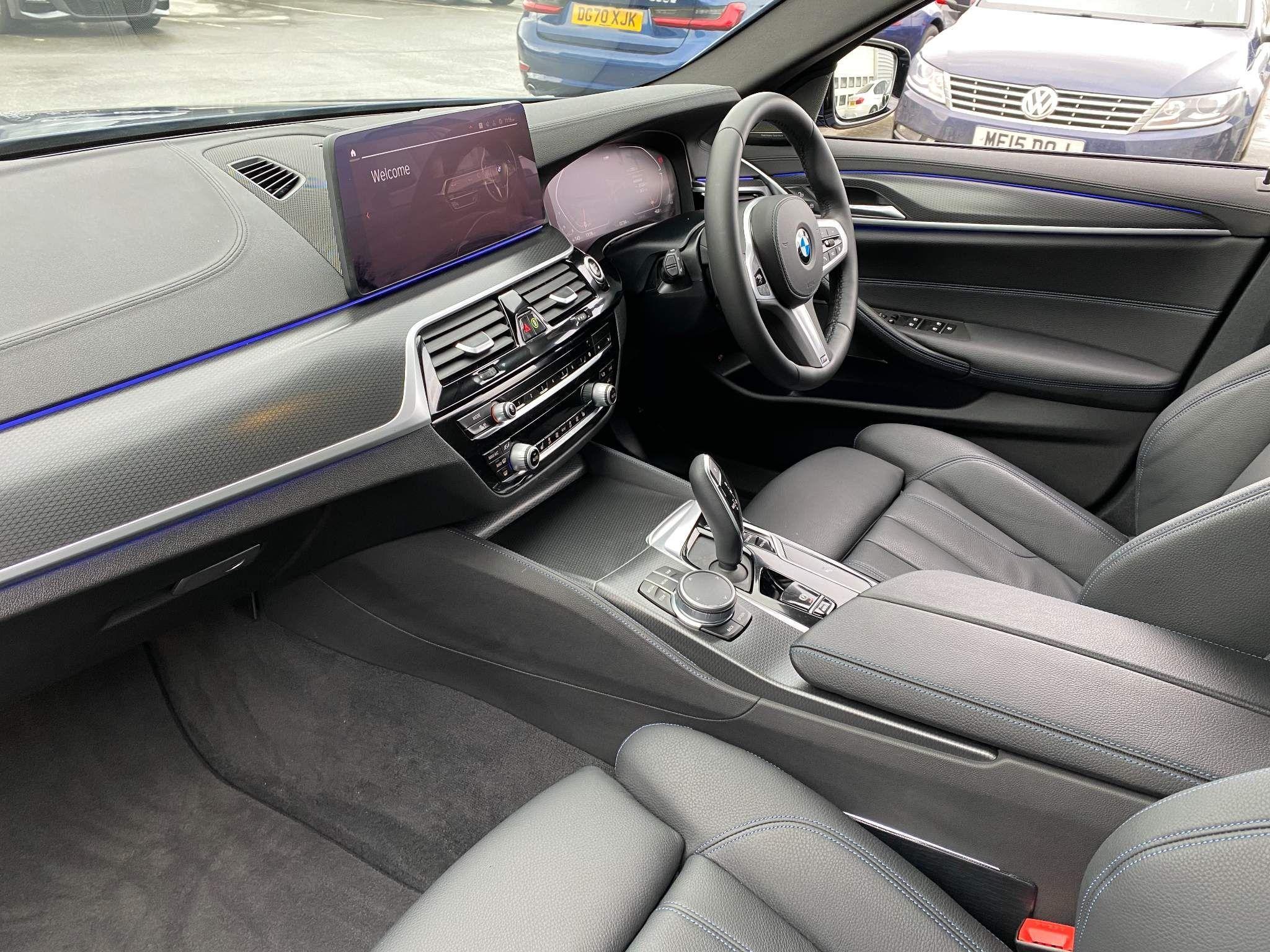 Image 16 - BMW 530d xDrive M Sport Saloon (MV70CGK)