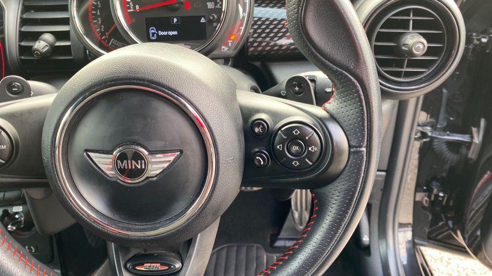Image 18 - MINI Hatch (MW67WWN)