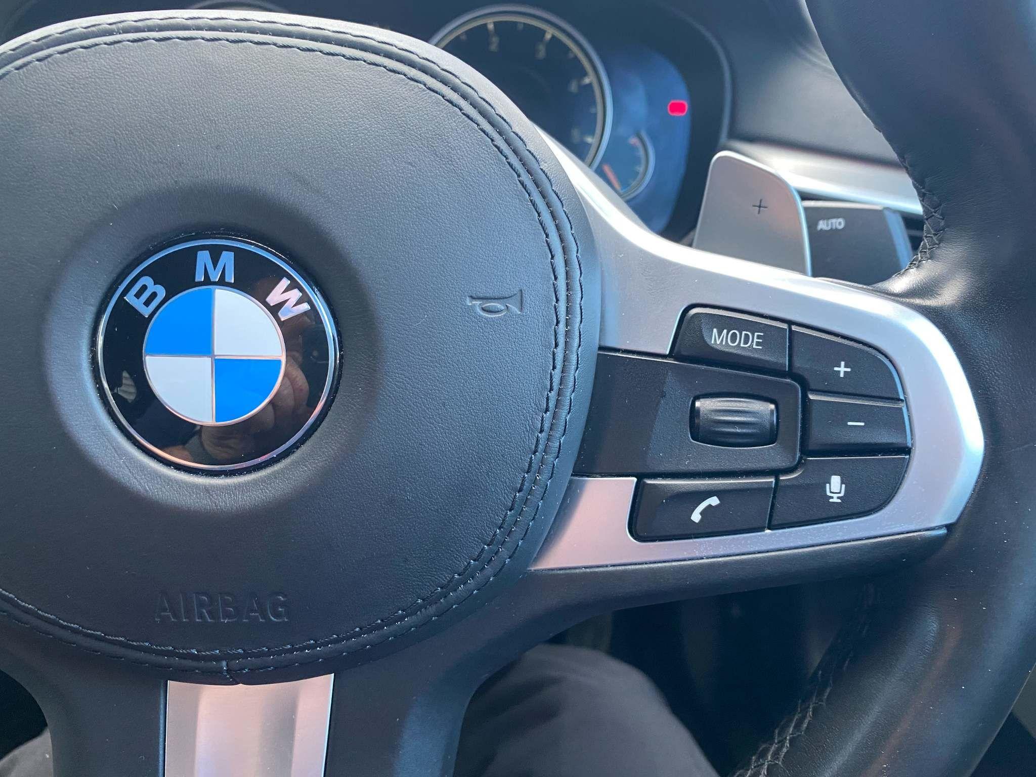 Image 20 - BMW 520d M Sport Saloon (MT67UPS)
