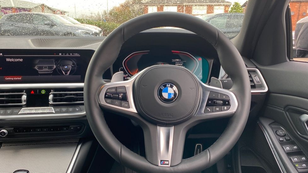 Image 8 - BMW 320d M Sport Saloon (DA20XXH)