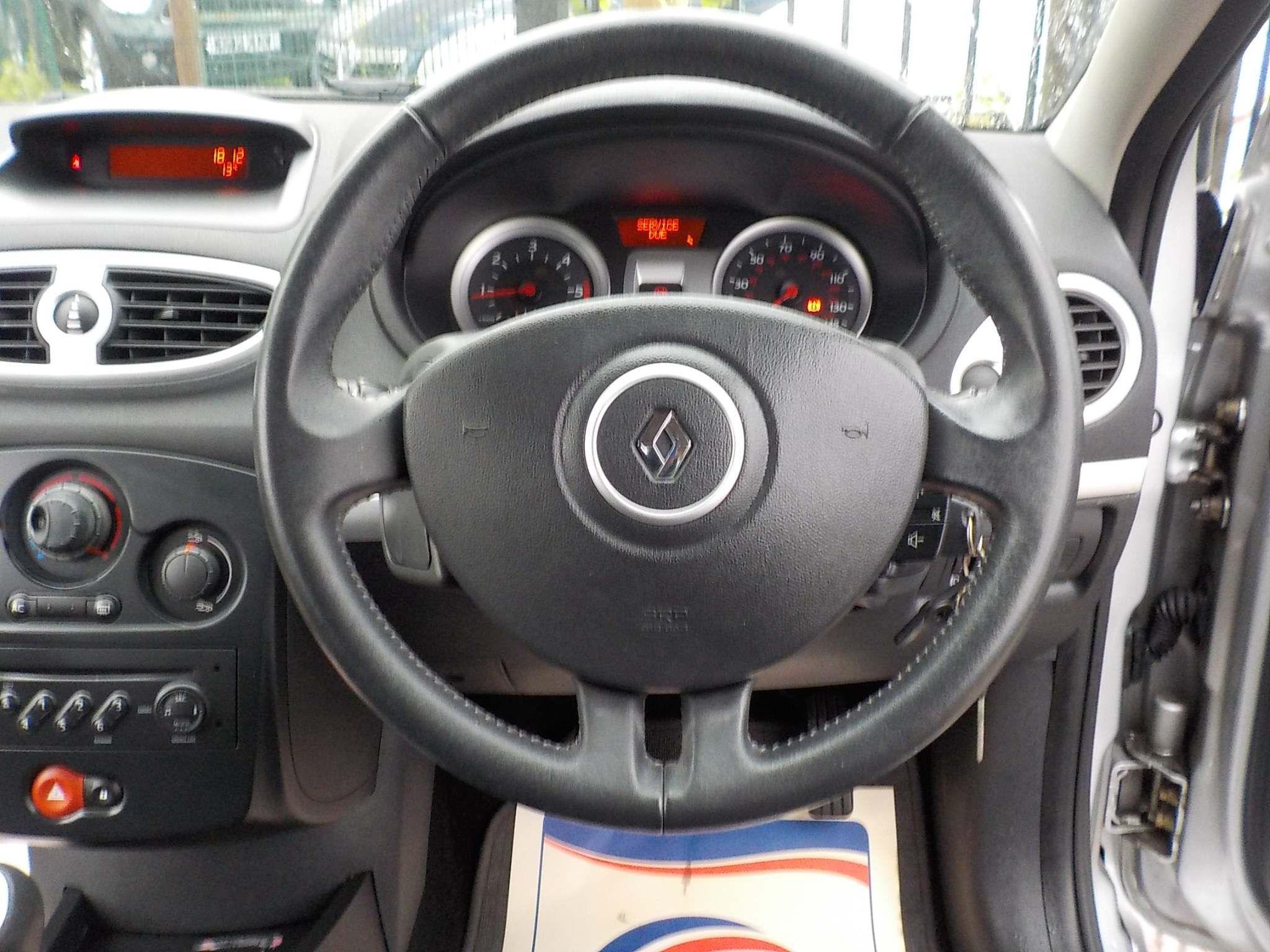 Renault Clio 1.4 16v Dynamique 5dr