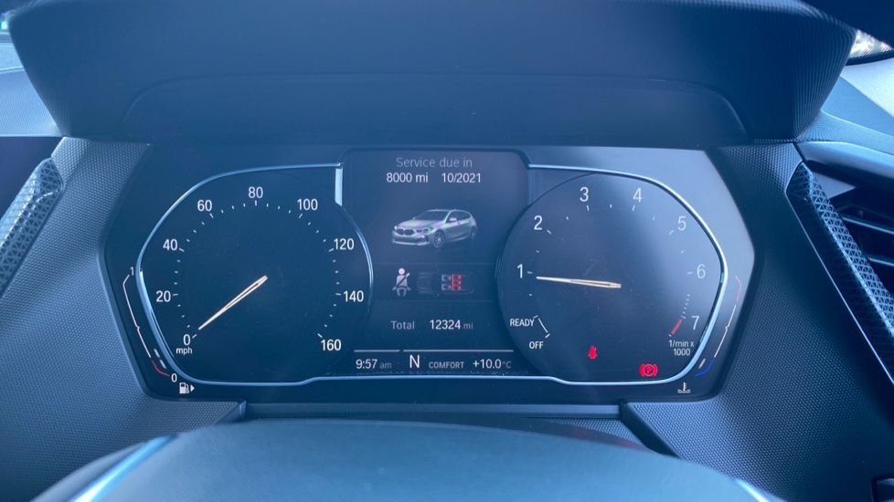 Image 9 - BMW 118i Sport (YF69HKN)