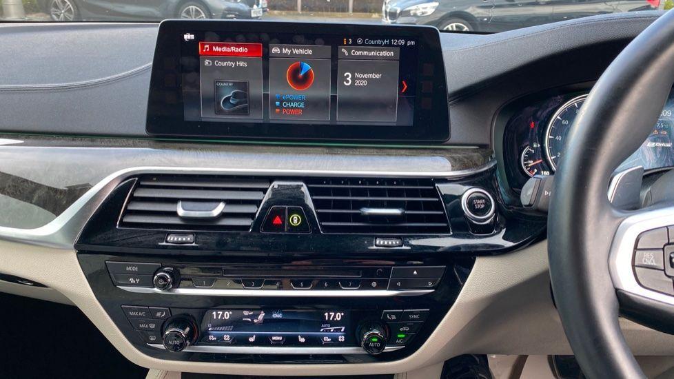 Image 7 - BMW 530e M Sport iPerformance Saloon (KE67DZL)