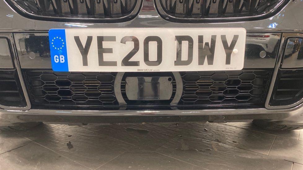 Image 25 - BMW xDrive40i M Sport (YE20DWY)