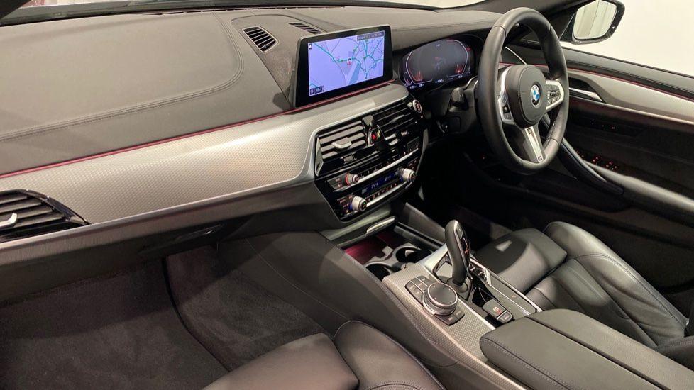 Image 11 - BMW 520d M Sport Saloon (YA69FKW)