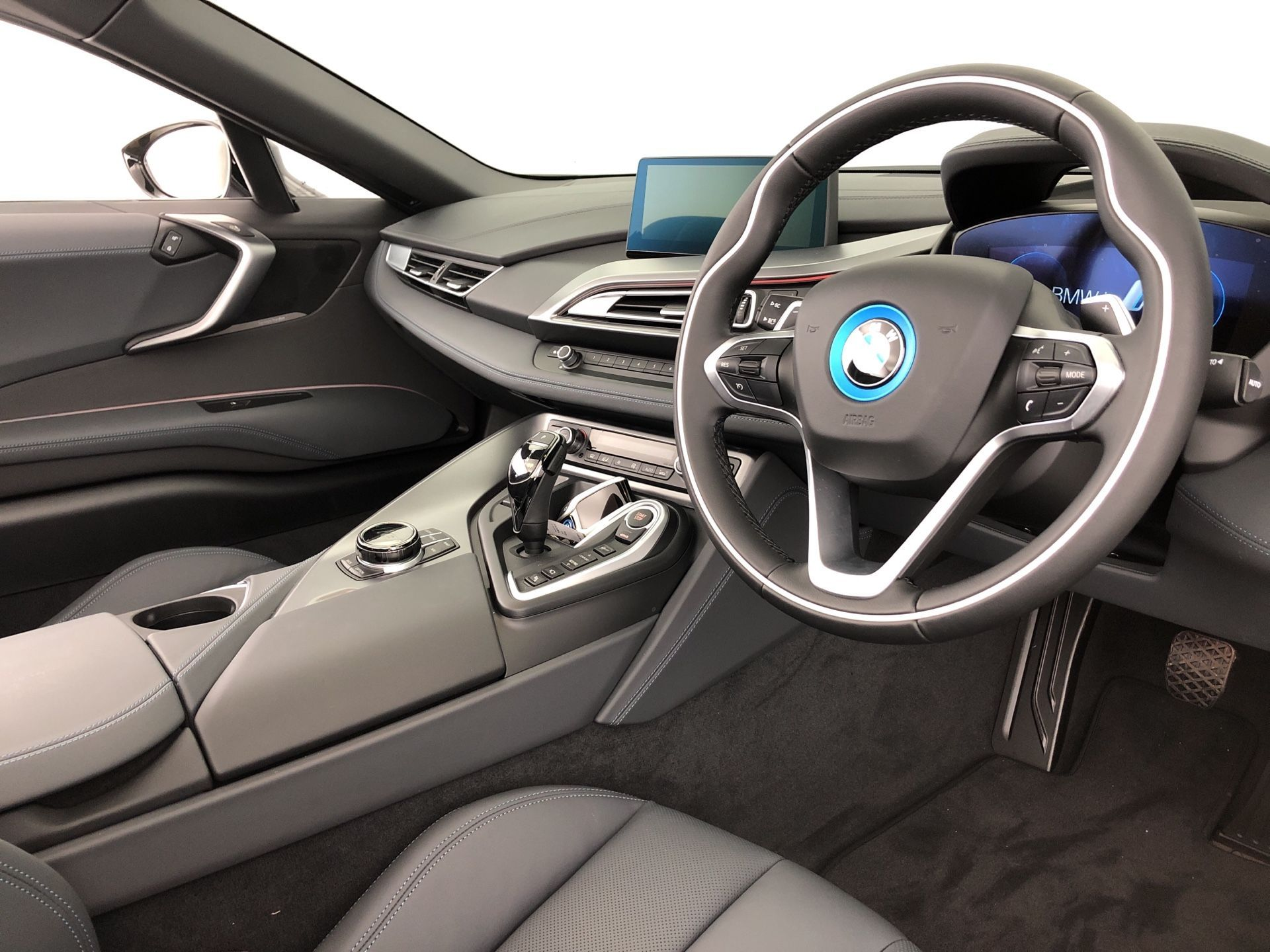Image 3 - BMW 1.5 11.6kWh Roadster Auto 4WD (s/s) 2dr (YH68JMW)