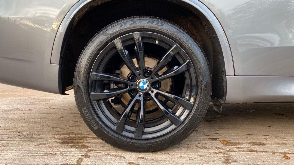 Image 14 - BMW xDrive30d M Sport (MM18CJZ)