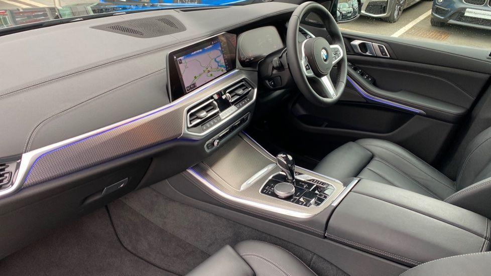 Image 6 - BMW xDrive40i M Sport (YL69YOF)