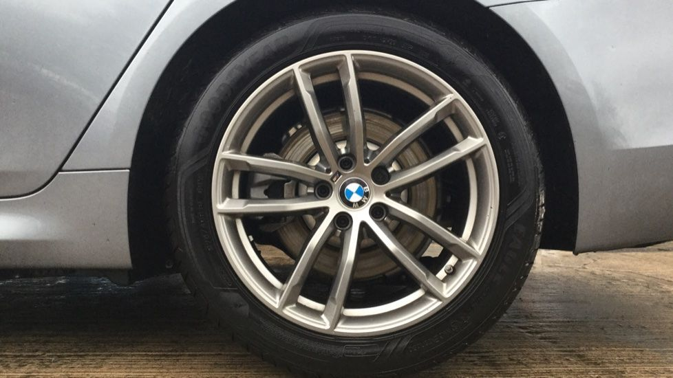 Image 4 - BMW 520d M Sport Touring (MM68LCW)