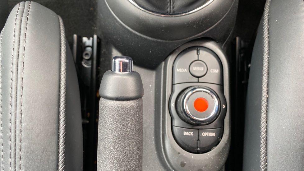 Image 23 - MINI Hatch (DK20JZR)