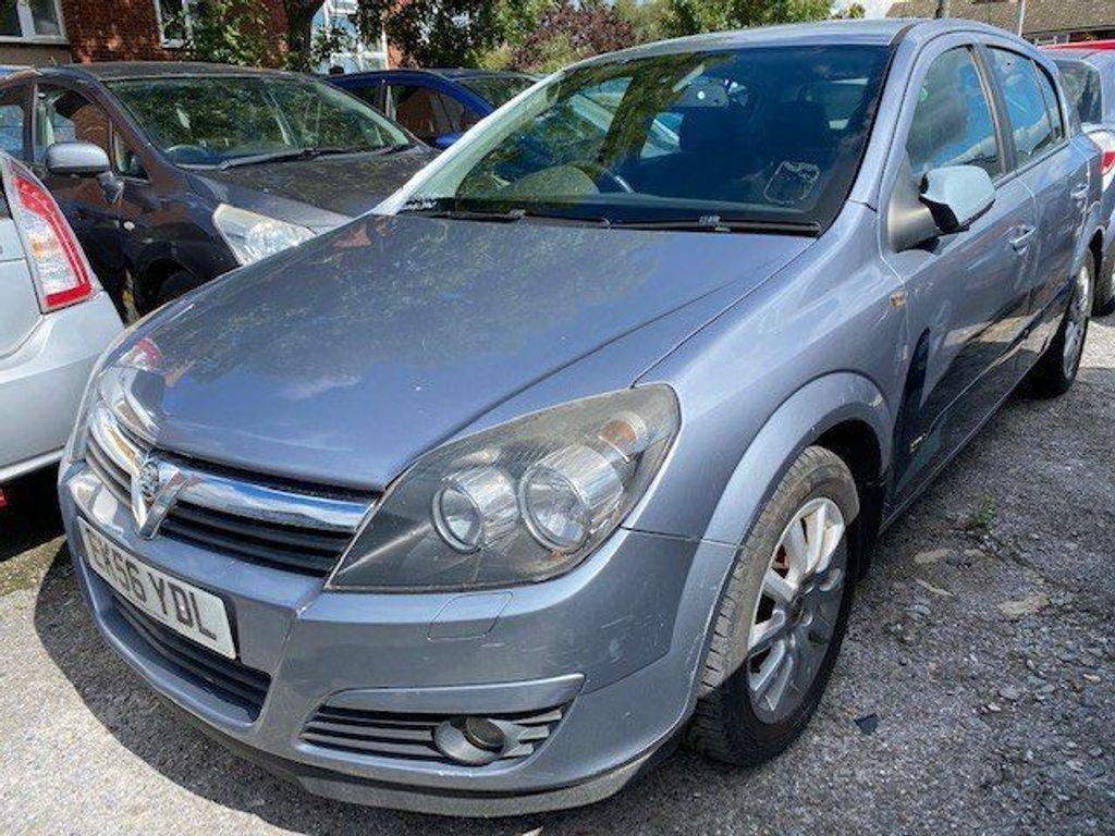 Vauxhall Astra Hatchback 1.8 i 16v Design 5dr