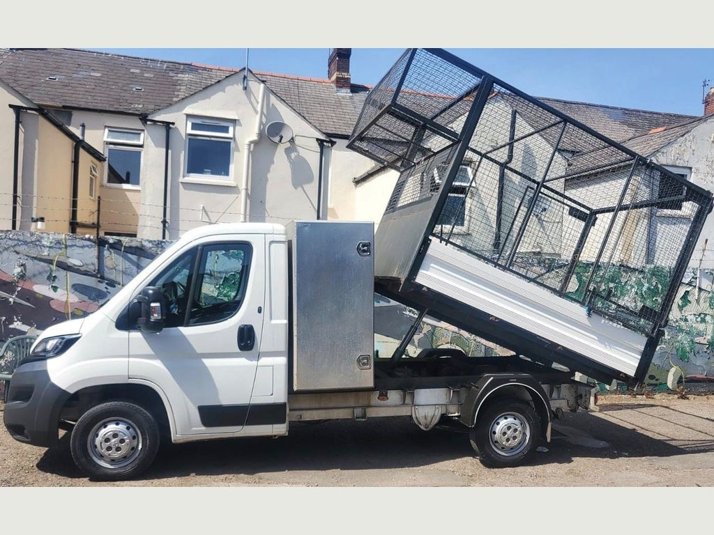 Peugeot Boxer Tipper TIPPER CAGED BODY WITH STORAGE BOX