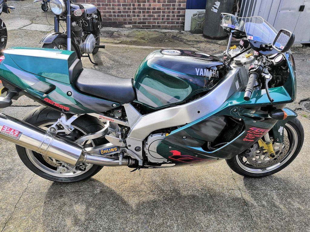 Yamaha YZF750R Super Sports