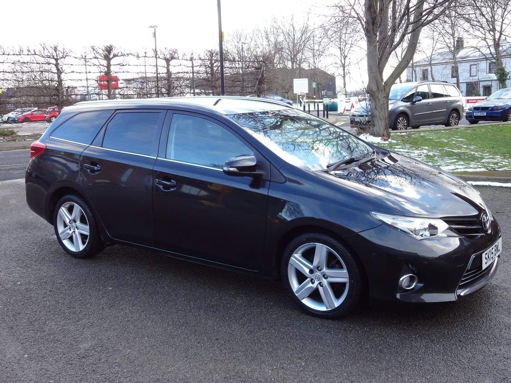 Toyota Auris Estate 1.4 D-4D Excel Touring Sports (s/s) 5dr