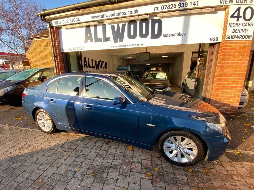 BMW 5 Series Saloon 4.8 550i V8 SE 4dr