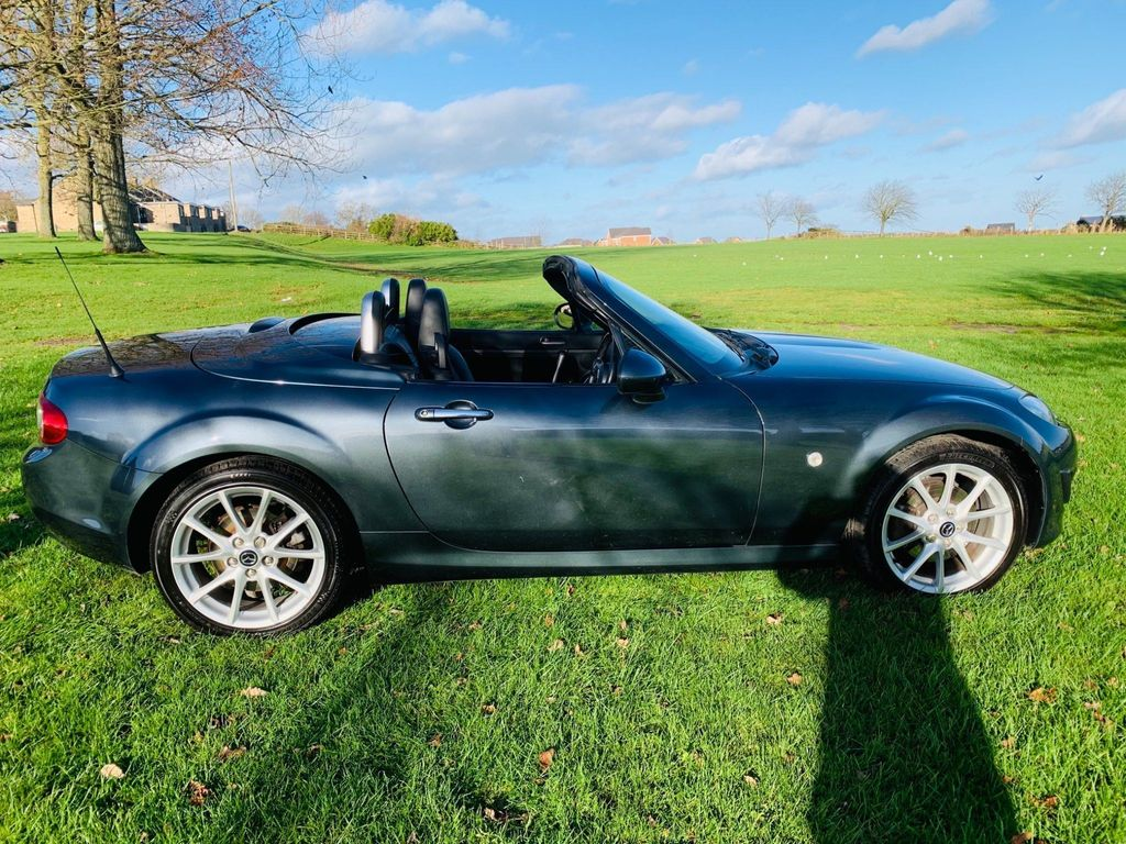 Mazda MX-5 Coupe 2.0i Sport Tech Roadster 2dr