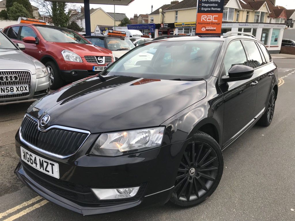 SKODA Octavia Estate 1.6 TDI CR DPF Black Edition 5dr
