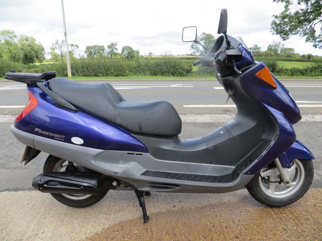 Honda FES250 Scooter 250 Foresight