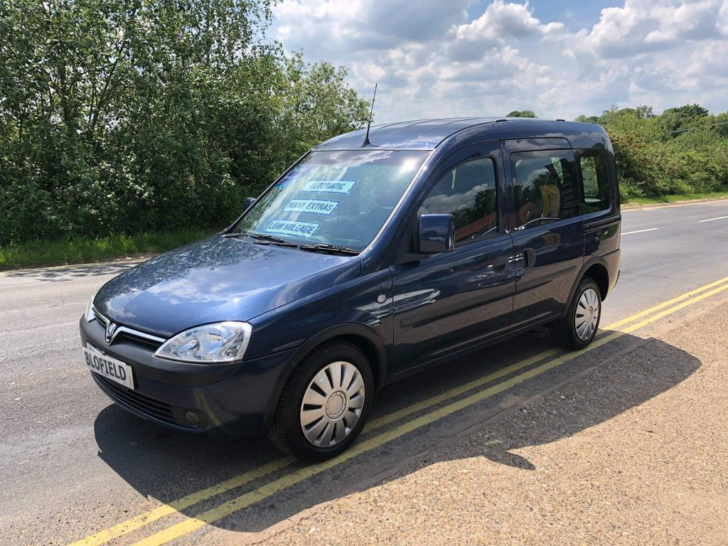 Vauxhall Combo Combi Van 1.3 CDTi 1700 ecoFLEX 16v Panel Van Easytronic 3dr