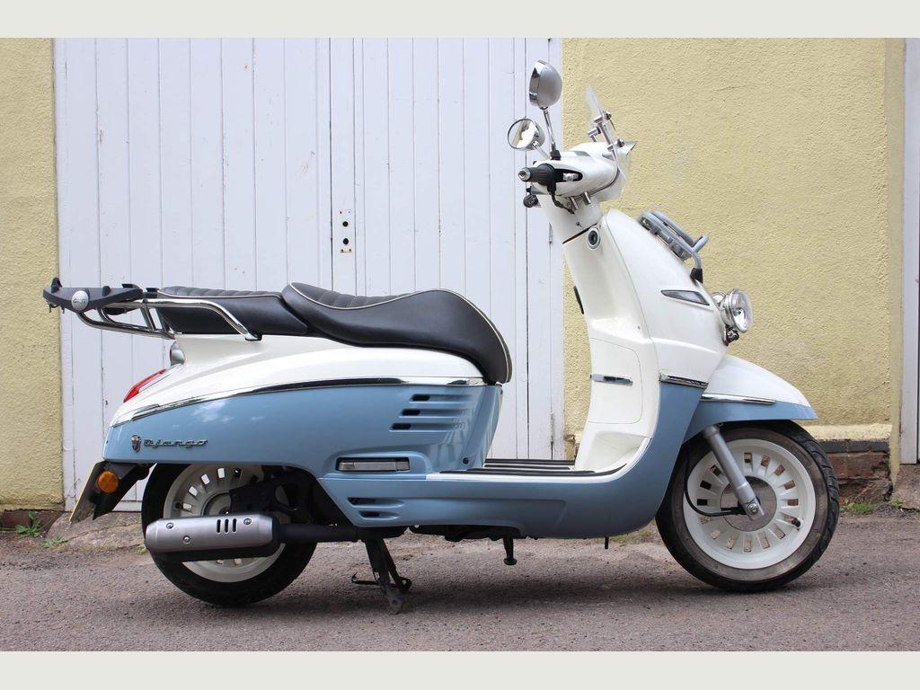 Peugeot Django Moped 50 Evasion Moped