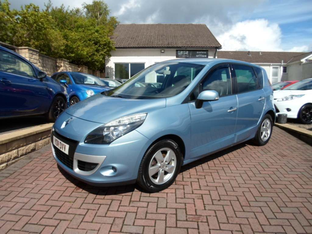 Renault Scenic MPV 1.9 dCi Dynamique Bose Pack 5dr (Tom Tom)