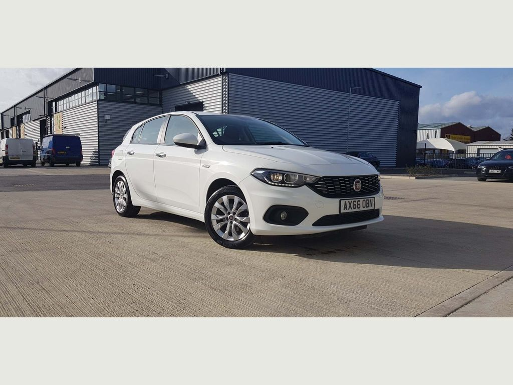 Fiat Tipo Hatchback 1.4 MPI Easy Plus 5dr