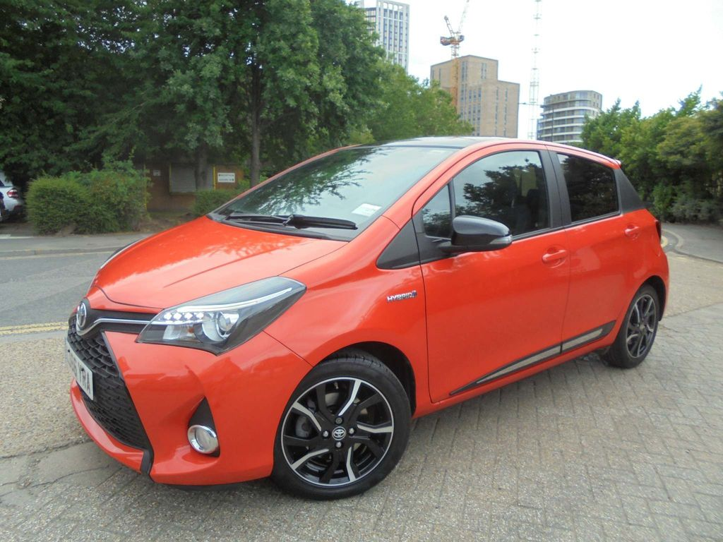 Toyota Yaris Hatchback 1.5 VVT-h Orange Edition E-CVT 5dr