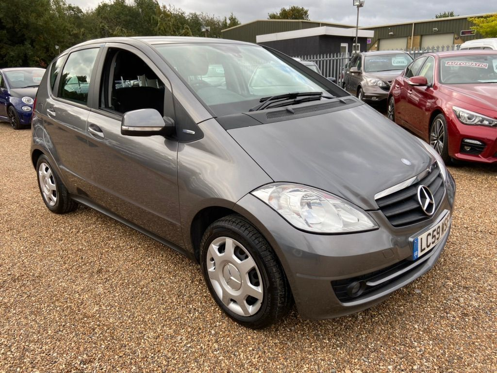 Mercedes-Benz A Class Hatchback 1.7 A180 BlueEFFICIENCY Classic SE 5dr