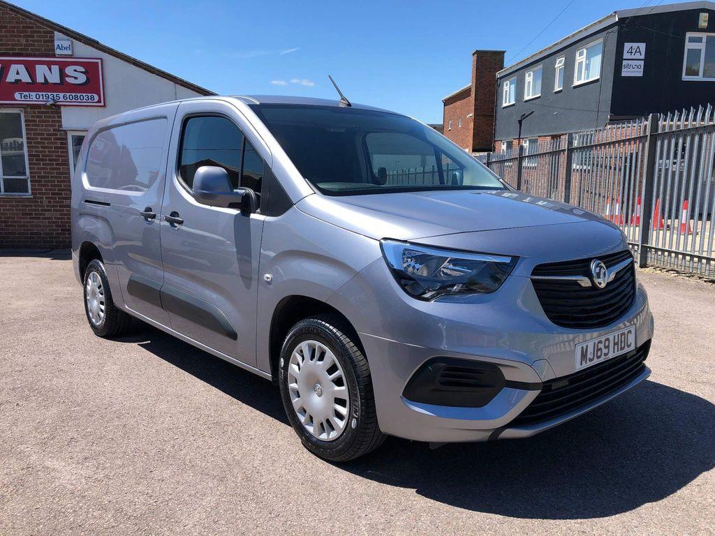 Vauxhall Combo Panel Van 1.5Turbo D 2300 L2 Sportive 6 Door Van