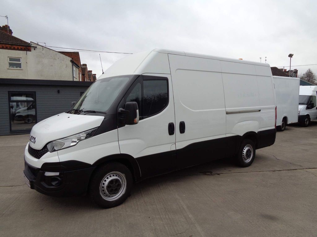 Iveco Daily Panel Van 2.3 TD 13V Plus 35S 3520 4dr