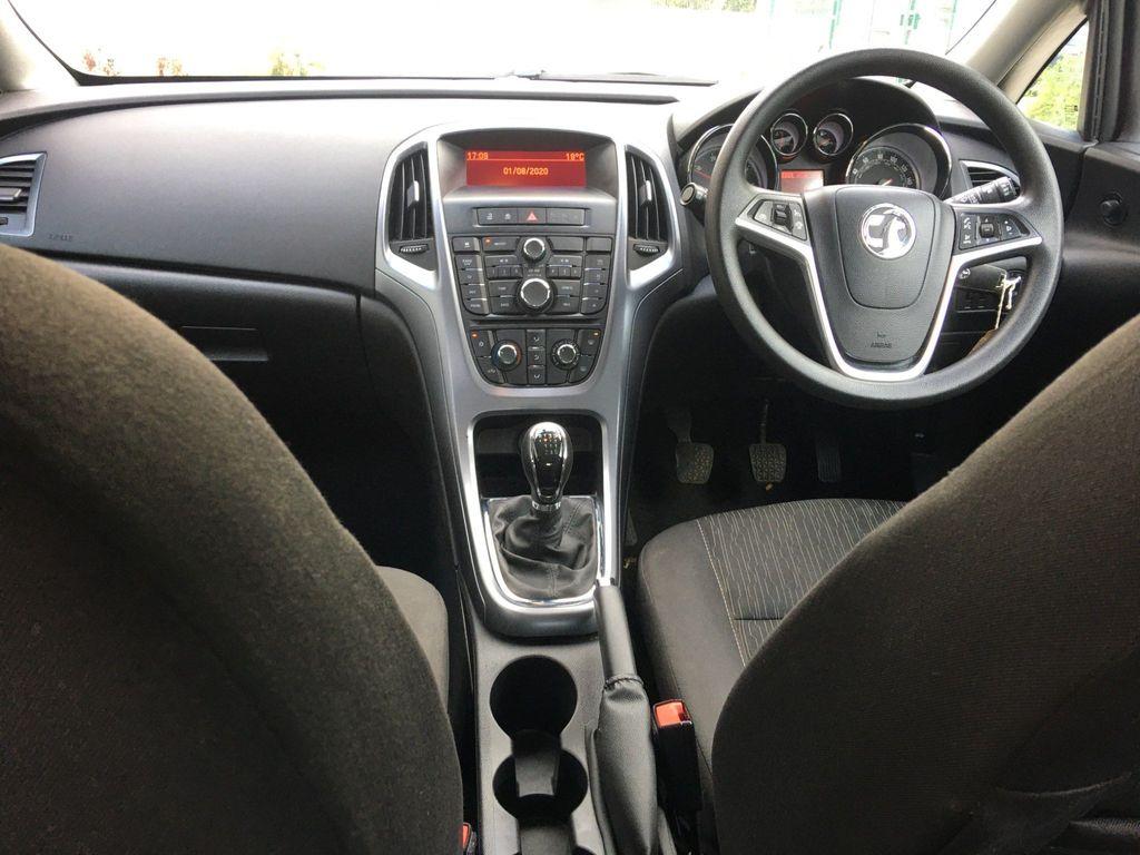 Used Vauxhall Astra Hatchback 1.6 Cdti Ecoflex 94g Design ...
