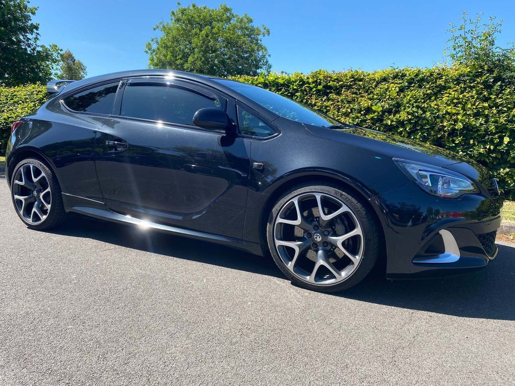 Vauxhall Astra GTC Coupe 2.0T VXR (s/s) 3dr