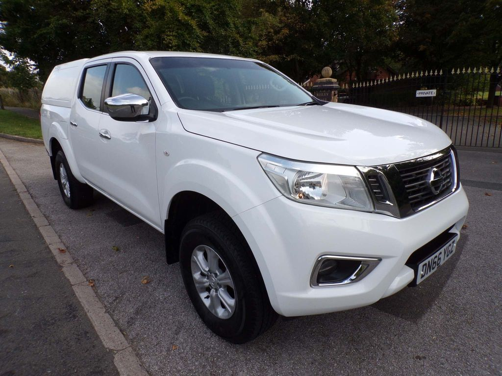 Nissan Navara Pickup 2.3 dCi Acenta Double Cab Pickup 4WD (s/s) 4dr
