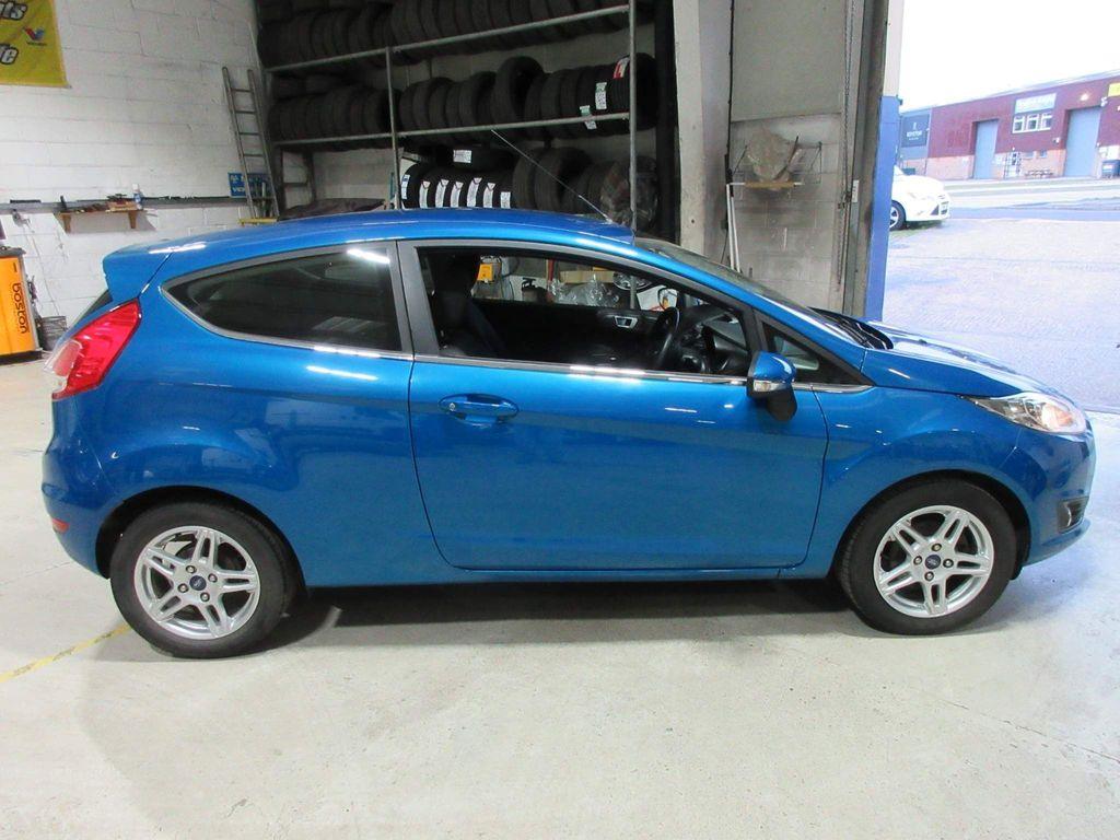 Ford Fiesta Hatchback 1.0 Zetec (s/s) 3dr