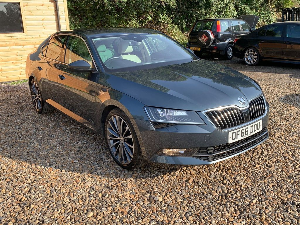 SKODA Superb Hatchback 2.0 TDI CR DPF Laurin & Klement DSG Auto 6Spd (s/s) 5dr