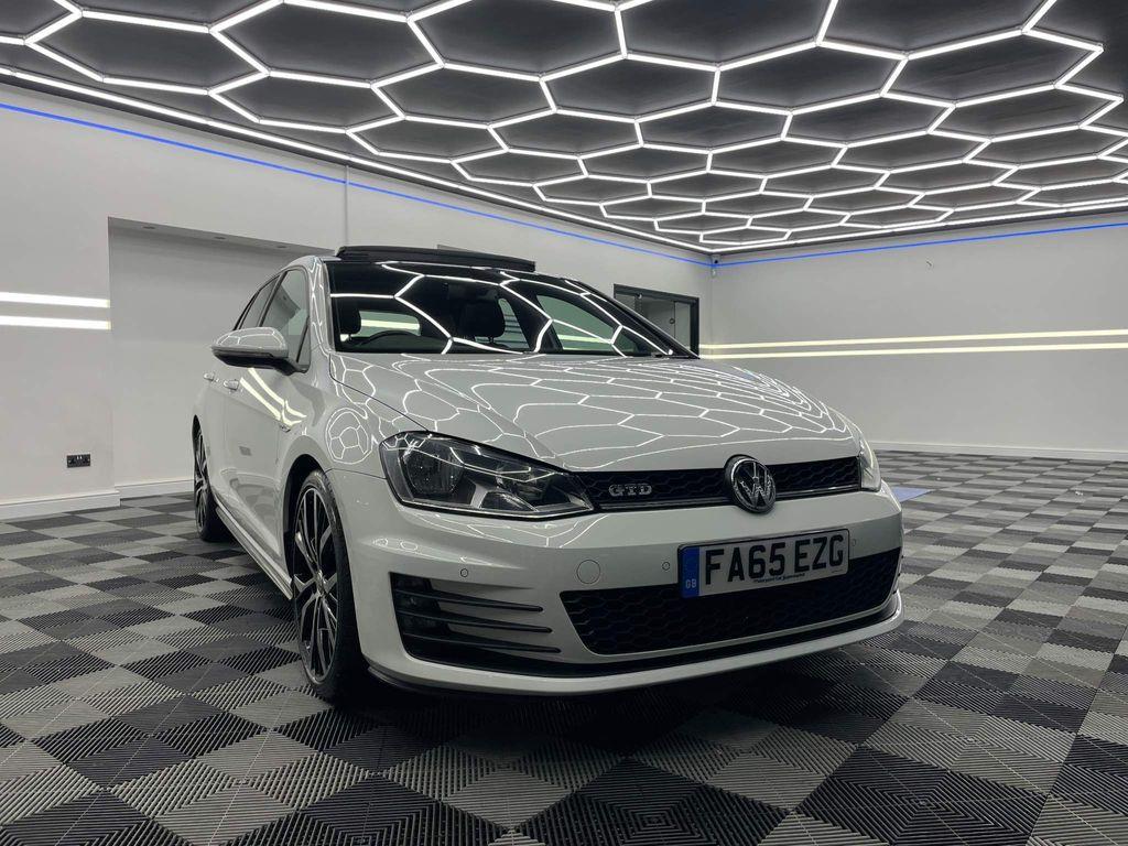 Volkswagen Golf Hatchback 2.0 TDI BlueMotion Tech GT Edition DSG (s/s) 5dr