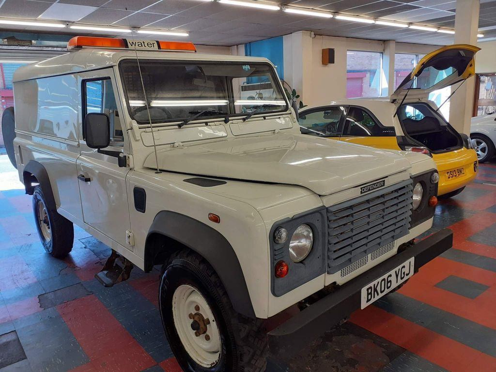 Land Rover Defender 110 Unlisted Light 4x4 UTILITY