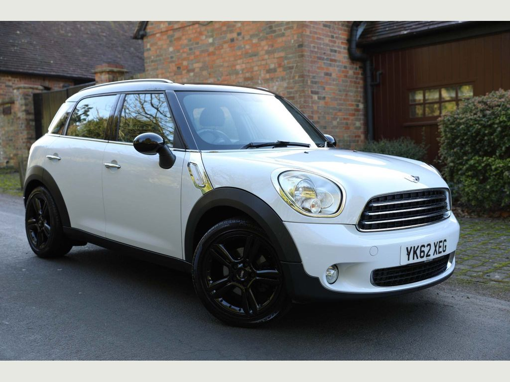 MINI Countryman Hatchback 2.0 Cooper D 5dr