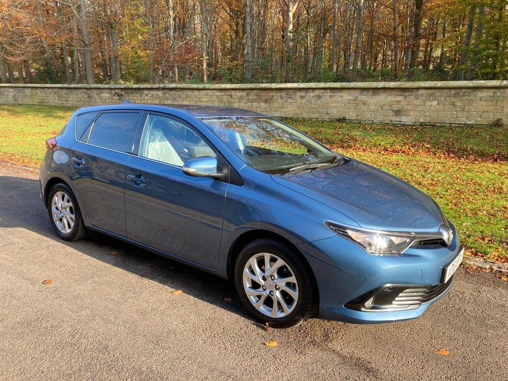 Toyota Auris Hatchback 1.2 VVT-i Business Edition (s/s) 5dr