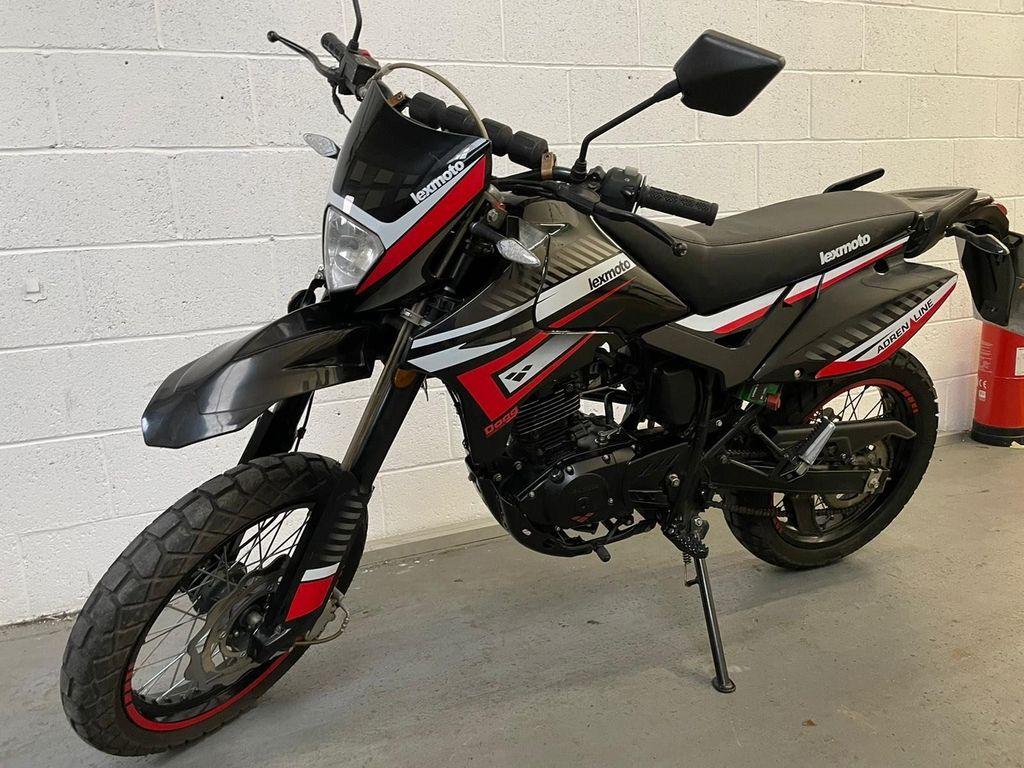 Lexmoto Adrenaline Super Moto