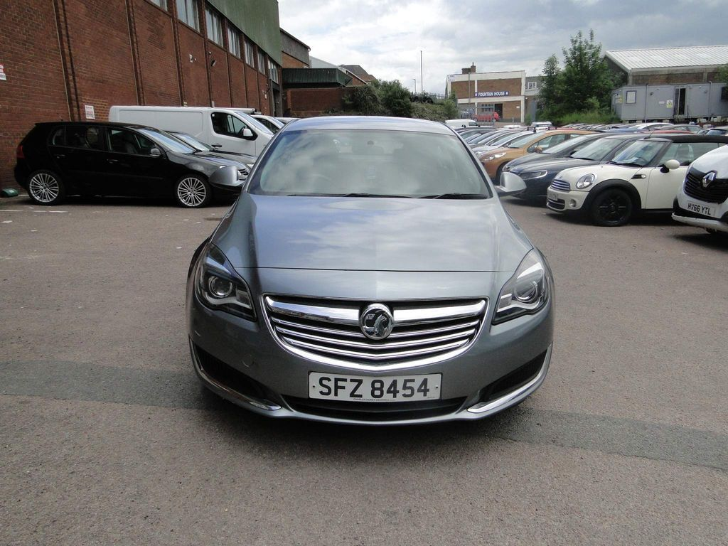 Vauxhall Insignia Hatchback 2.0 CDTi Design 5dr