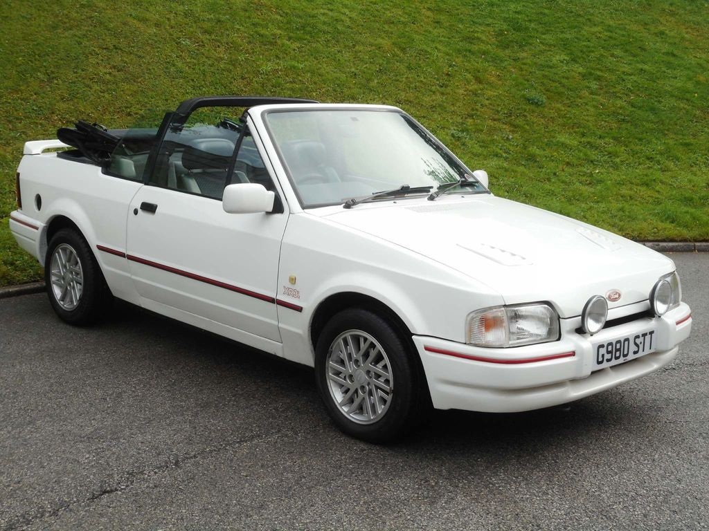 FORD ESCORT Convertible 1.6 XR3i 2dr
